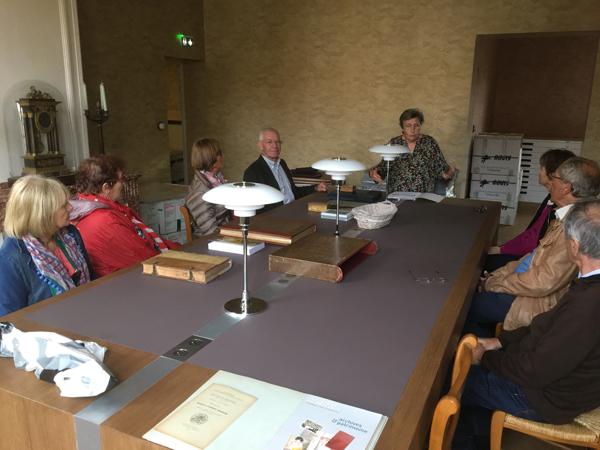 La présentation de la bibilothèque du musée Arbaud par Mme Mazel.