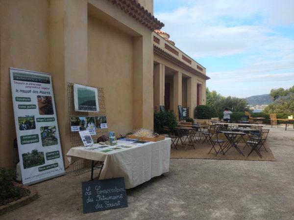 Le stand du Conservatoire installé à côté de la Villa Rayolet, ouverte au public pour l'occasion. @L.MIRANTE