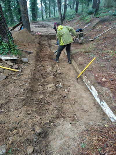 0518-travaux-bac-a-fouilles-Laurent-Audrey-petite